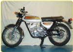 KAWASAKI - A1B SAMURAI - OIL TANK & SIDE PANEL - TRANSFER - 1971 - D57049